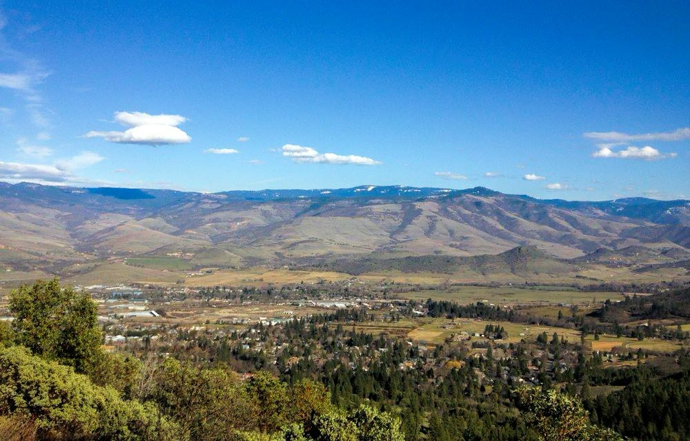 White Rabbit Trail View Of Rogue Valley
